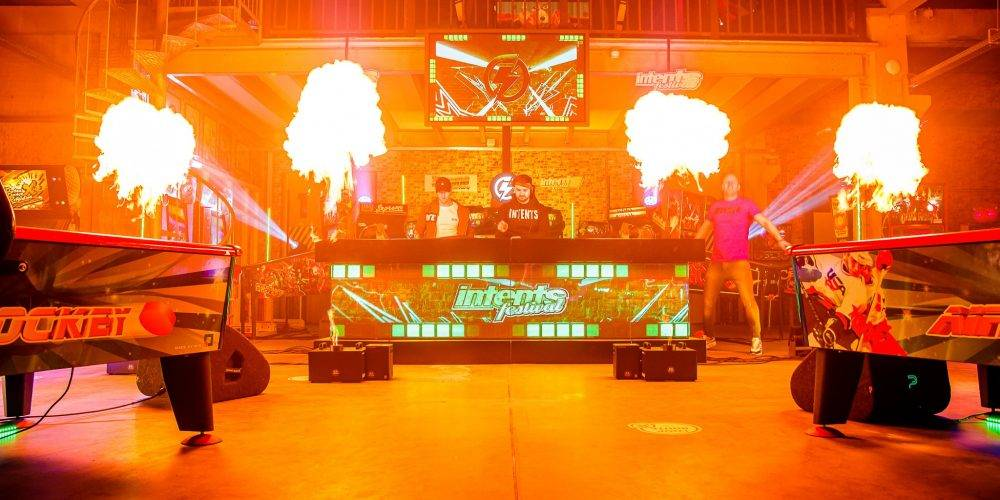 intents-festival-led-dj-booth